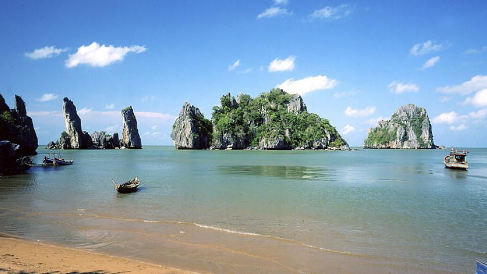 HonPhuTu islet in HonChong - Vietnam beaches