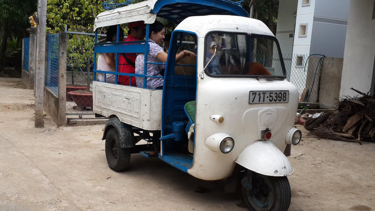 Lambretta ride in BenTre countryside - Mekong delta tour BenTre