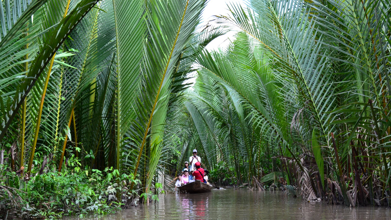 Mekong delta tours BenTre - boat cruise
