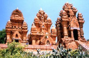 PoklongGarai Cham towers