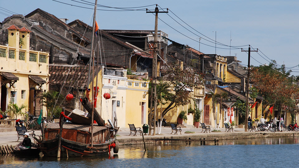 Hoi an ancient town - street along the river