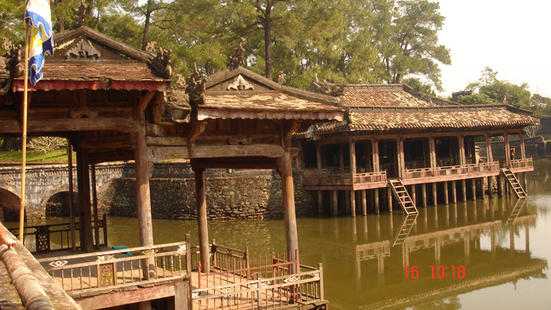 Hue Vietnam - TuDuc tomb