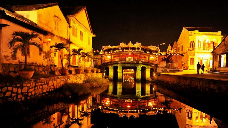 Japanese bridge at night - Hoi an tour
