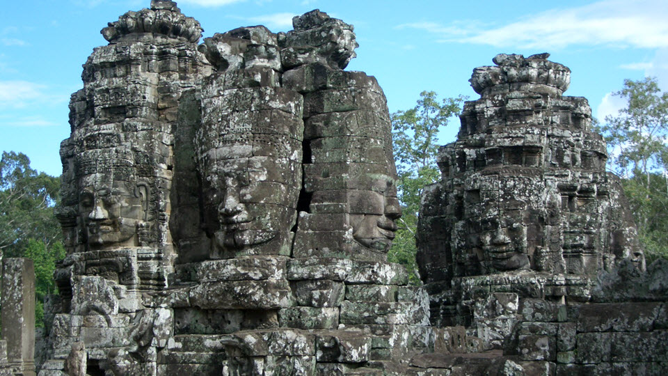Angkor Thom - face towers in the upper terrace