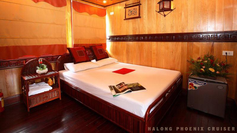 Halong bay tours - Phoenix cruise cabin