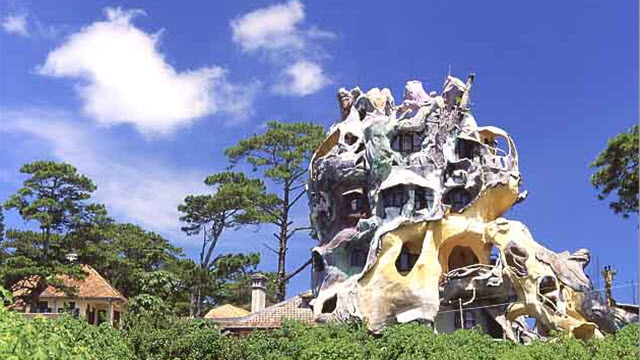 Outside view of DaLat crazy house