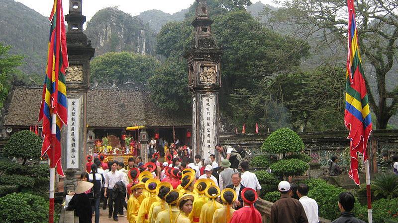 Hoa lu festival at King Dinh Tien Hoang temple - Ninh Binh