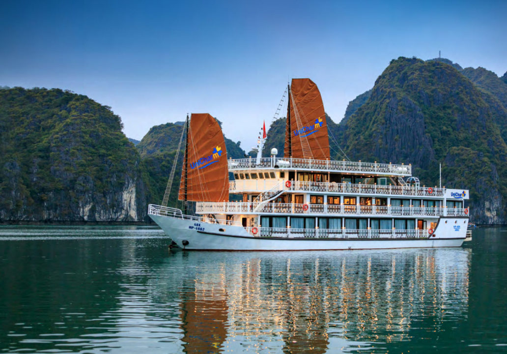 CatBa island Halong bay LanHa bay with UniCharm cruise